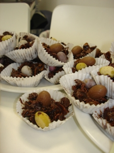Dark chocolate crispie cakes with Lindt and mini eggs