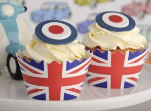 Union jack cupcake wrappers on Just Bake