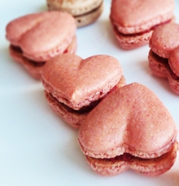 heart shaped macaron from Vera's Cookbook blog